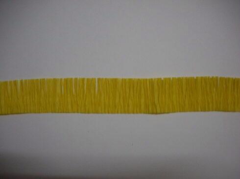 皱纹纸波斯菊制作方法 第2步