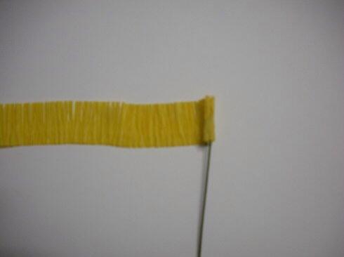 皱纹纸波斯菊制作方法 第4步