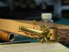 【手工皮具】一秒快开,用枥木原色做骑兵皮带的制作