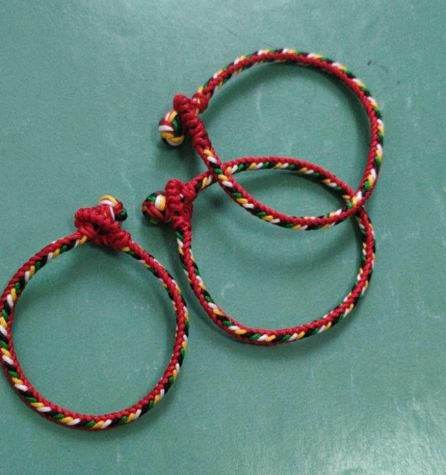 需要用到蛇结,八股辫和纽扣结,单结编法请自行网络搜索。